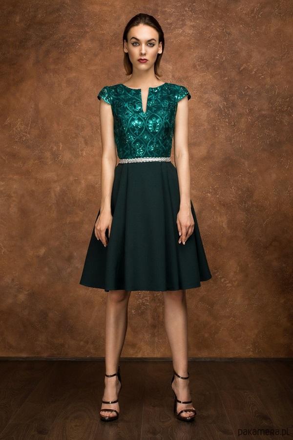 Wyjątkowa sukienka w butelkowej zieleni