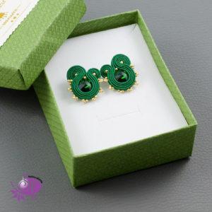 Małe, zielono-złote kolczyki